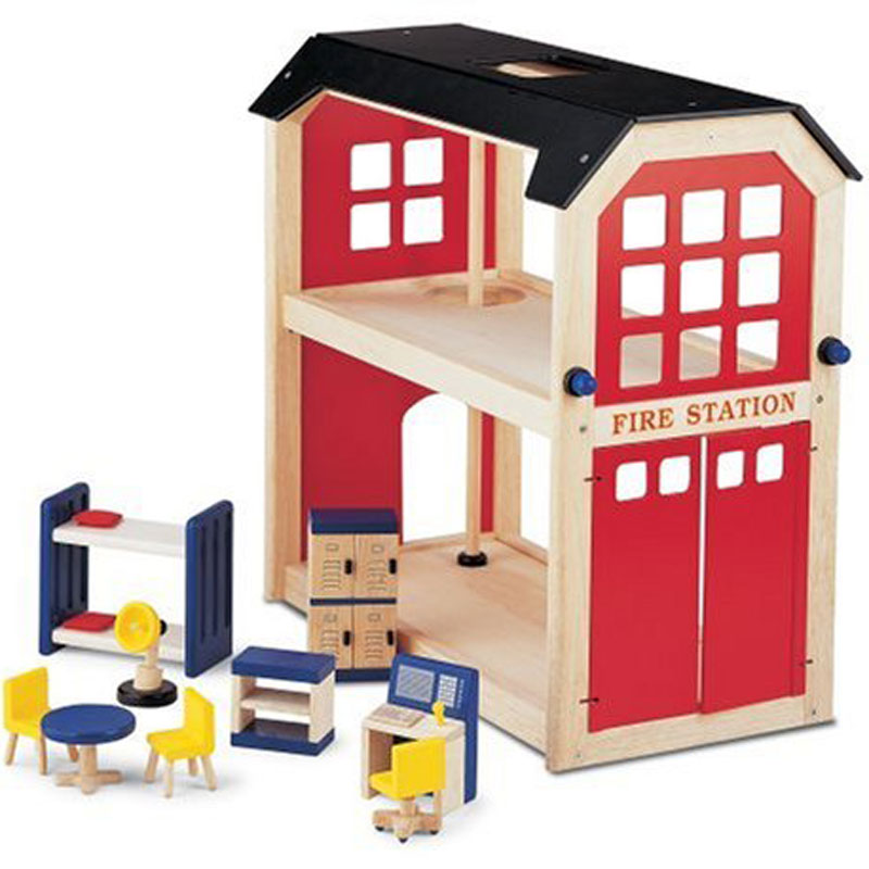 John Crane Pintoy Wooden Fire Station & Accessories