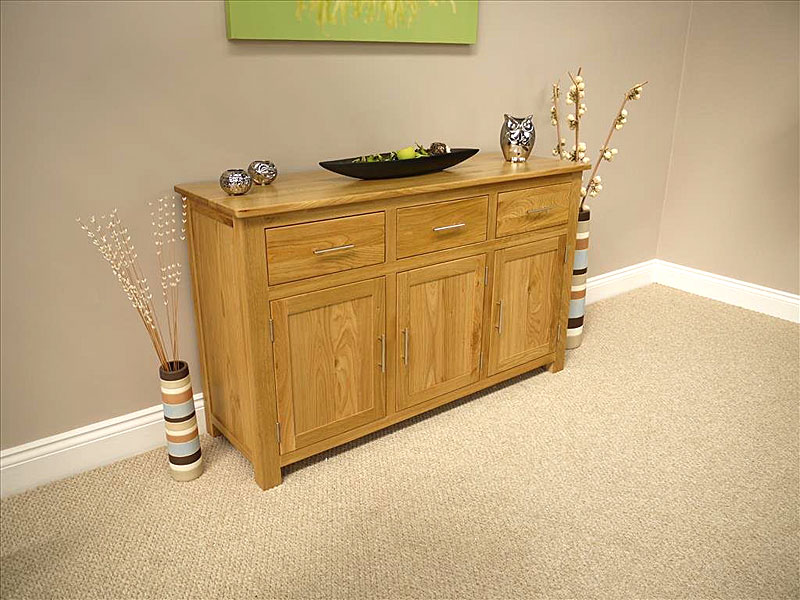 Oakland - Chunky Oak Large Sideboard / 3 Door 3 Drawer Cupboard